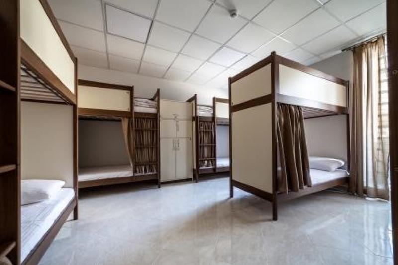 OSTRIV Десятимісна кімната