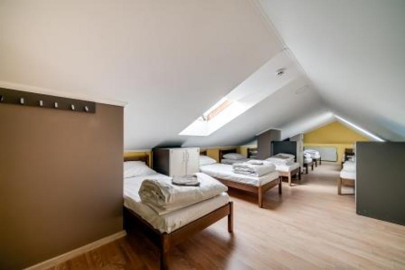 OSTRIV Seven-bed room