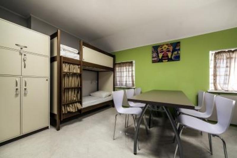 OSTRIV Восьмимісна кімната на 3 поверсі